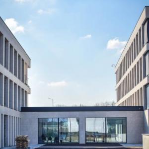 Nipro Campus Mechelen verbinding gebouwen-thumbnail