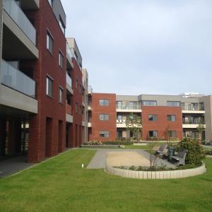 Woonzorgcentrum rusthuis 'Hof Ter Bloemen' te Heusden-Zolder binnenplaats-thumbnail